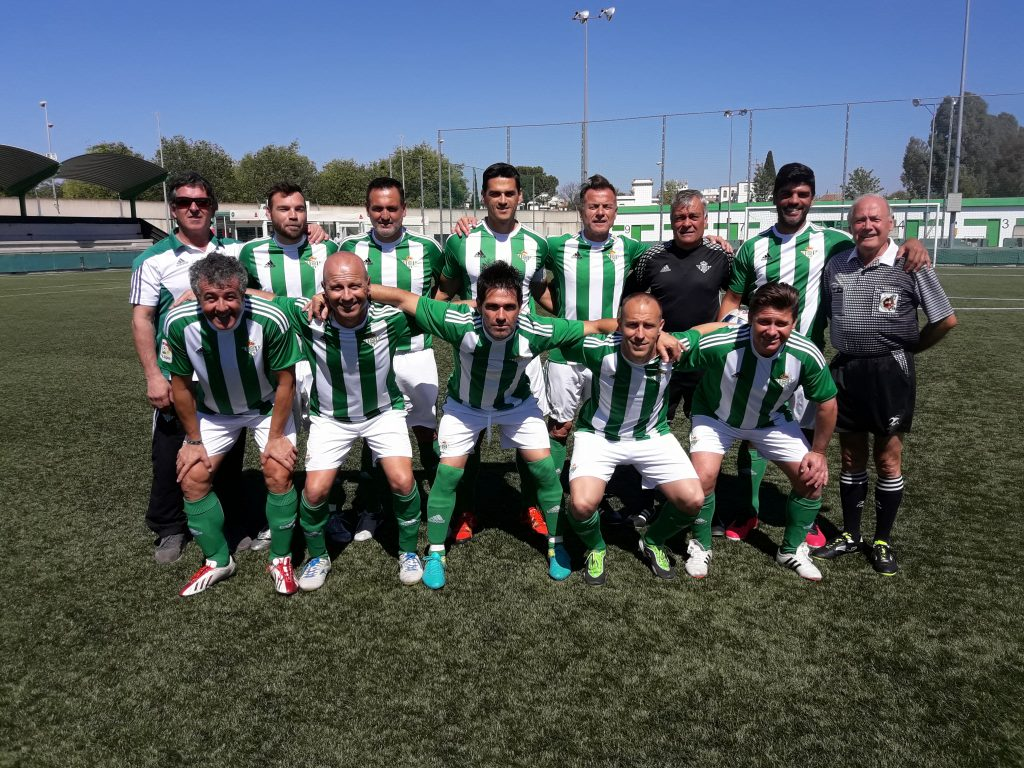 57bbd7516 El pasado sábado 8 de abril, nuestro Equipo de Veteranos y el Equipo de  Veteranos del Riotinto Balompié, jugamos un partido amistoso en la Ciudad  Deportiva ...
